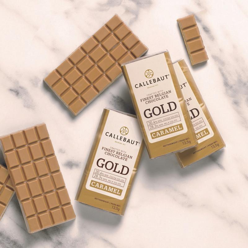 Set de 75 minitablete ciocolata alba cu caramel Gold Napolitains 13,5g/buc Callebaut